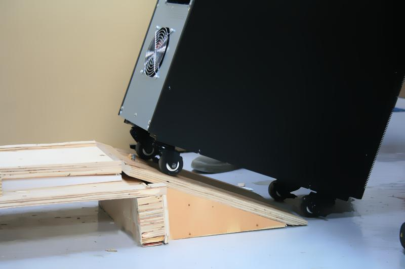 UPS Pallet with Ramp